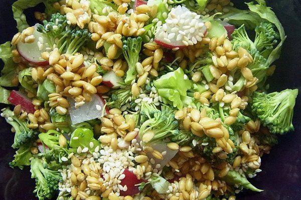 salata-s-limec Салата с лимец и броколи